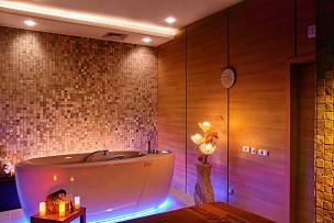 Baie cu jacuzzi Alpha Deluxe | Lucky Bansko SPA & Relax