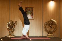 "Yoga prezintă ""Postul frontal"" | Lucky Bansko"