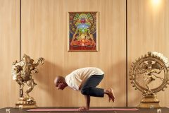 "Yoga prezintă ""Cioară"" | Lucky Bansko"