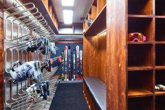 Ski storage modern and free
