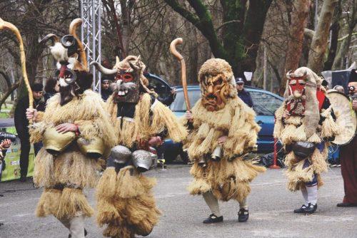Kukeri mascat în costume | Lucky Bansko SPA & Relax