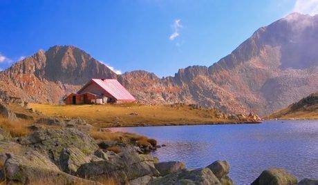 Cabane și parcuri din Munții Pirin
