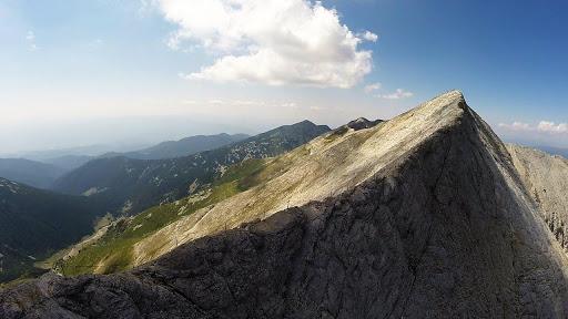 Vârful Vihren din Munții Pirin