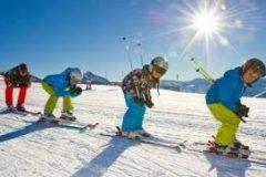 Copii pe pârtia de schi în Bansko | Lucky Bansko SPA & Relax