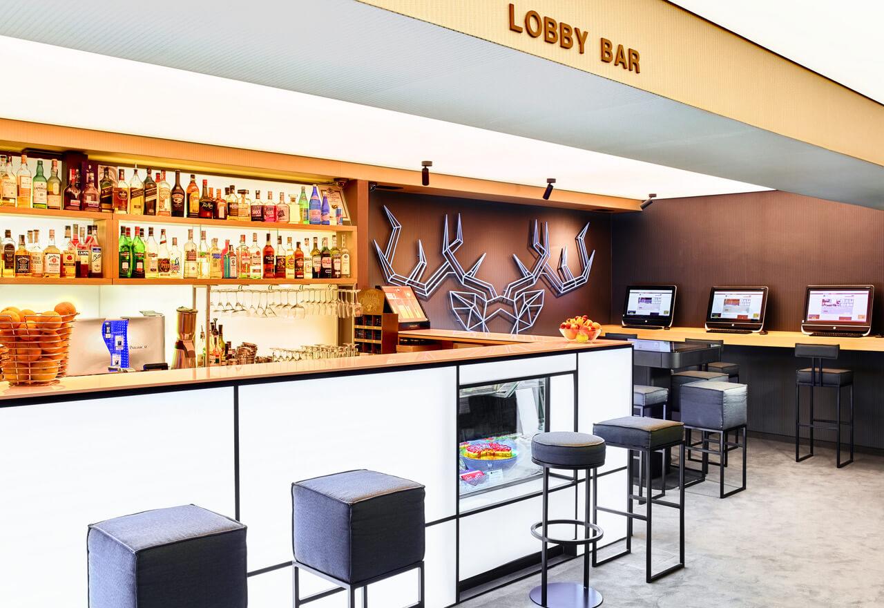Lobby bar renovatul Hotel Apart Lucky Bansko SPA & Relax
