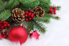 Pom de Crăciun cu jucării | Lucky Bansko SPA & Relax