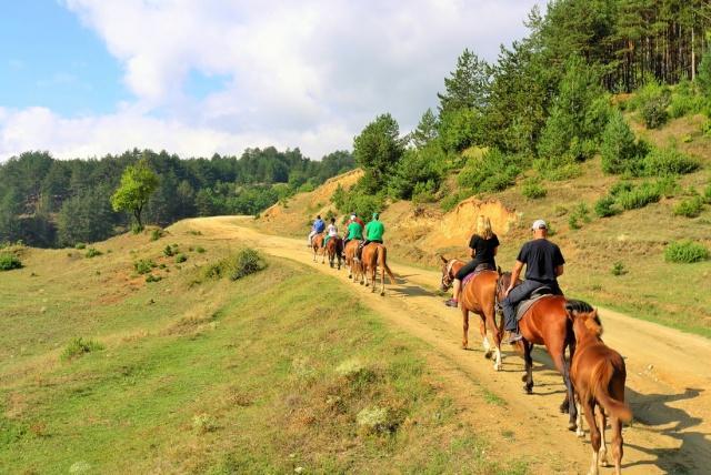 Centru de echitatie în munții din Bansko | Lucky Bansko