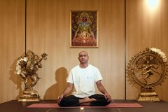 "Yoga prezintă ""Lotus"" | Lucky Bansko"