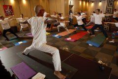 Yoga se află într-un curs