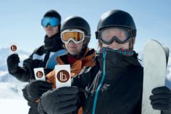 Achiziționați carduri de schi VIP de la recepția hotelului