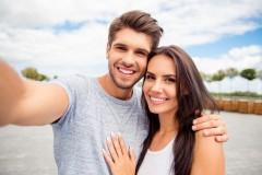 Cuplu fericit la Lucky Bansko Aparthotel